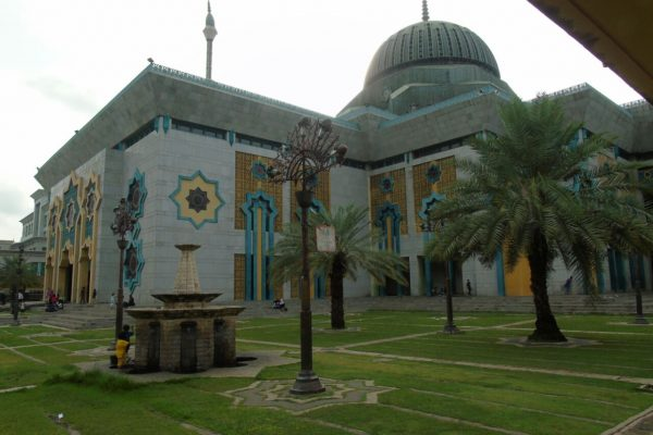 masjid raya jakarta islamic center, tempat wisata religi jakarta bak Taj Mahal India - Seputarkota.com