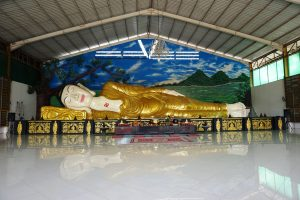 Patung Buddha Tidur di Bogor