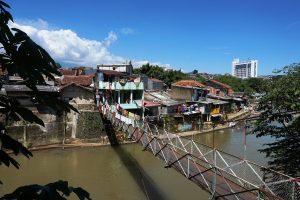 Kelenteng Pan Kho Bio, Jembatan menuju Pulo Geulis