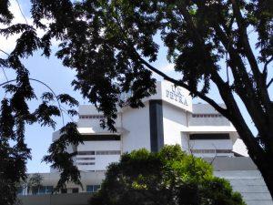 kampus terbaik di Surabaya