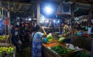pasar sayuran di Surabaya, Suasana belanja di Pasar Jagir