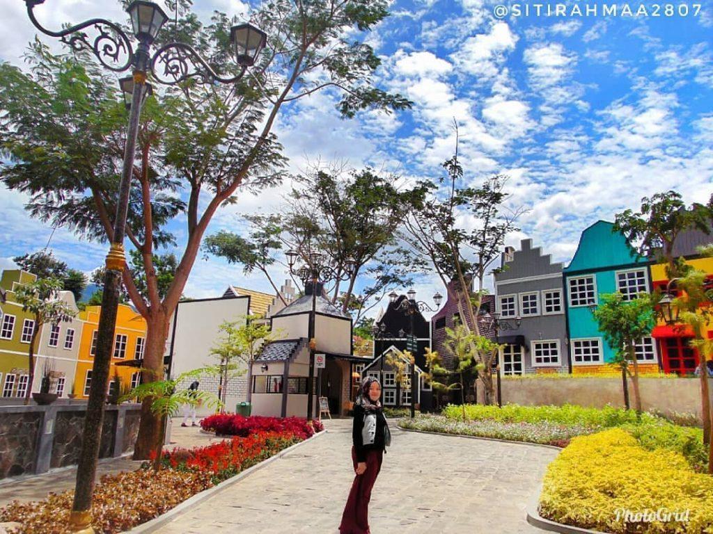 Devoyage Bogor: Tempat Wisata Terbaru Bergaya Eropa di Kota Hujan