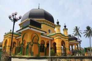 Masjid Osmani, masjid terkenal di Kota Medan