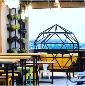 Muttonbird Bistro & Rooftop, rooftop cafe Surabaya