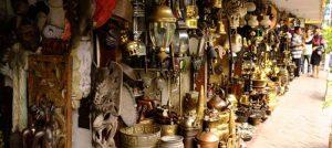 Jalan Ir. H Juanda di Ciputat, pasar barang antik di Jakarta