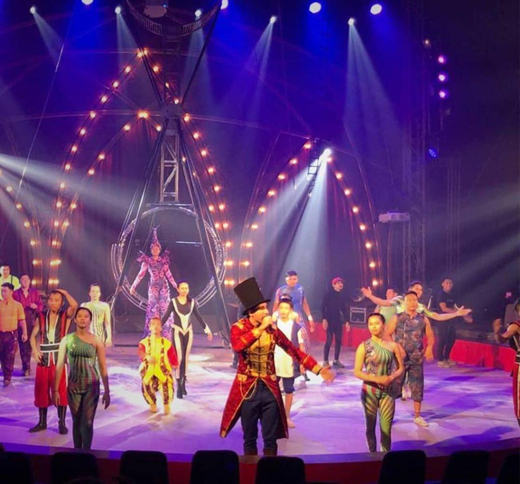 natal dan tahun baru, The Great 50 Show, Seputar Kota