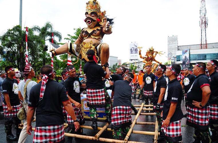 liburan Nyepi di Bali, Pawai Ogoh - Ogoh, Seputar Kota