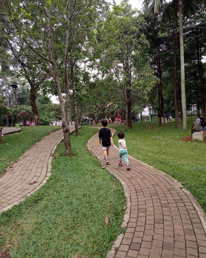 taman kota di Tangerang, Taman Menteng Bintaro, Seputar Kota