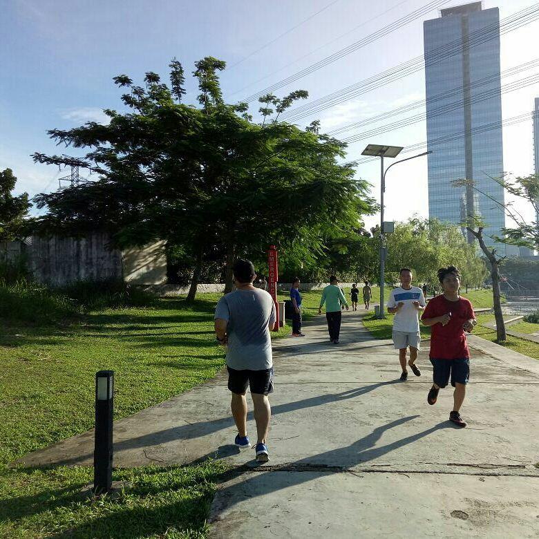 taman kota di Tangerang, Downtown Lake Alam Sutera, Seputar Kota
