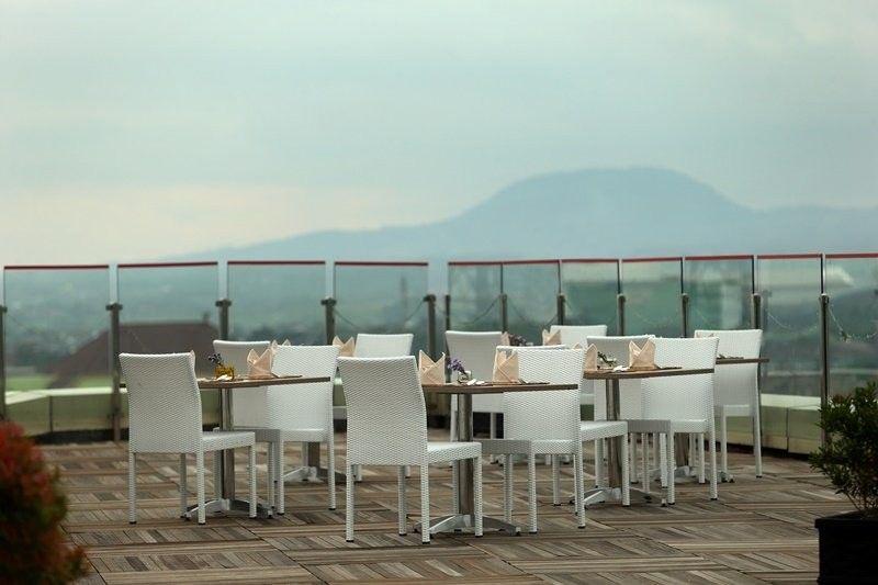 restoran romantis di Malang, Skyroom Best Western OJ Hotel Malang, Seputar Kota