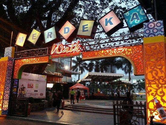 wisata kuliner malam Medan, Merdeka Walk, seputarkota.com