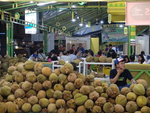 wisata kuliner malam Medan, Ucok Durian, seputarkota.com