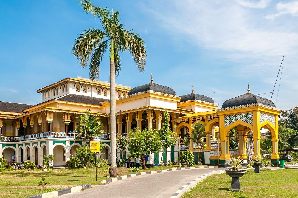 tempat ngabuburit di Medan, Istana Maimun, seputarkota.com