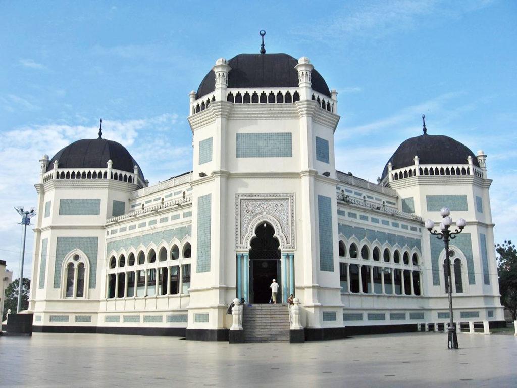 tempat ngabuburit di Medan, Masjid Raya Al Mashun, seputarkota.com