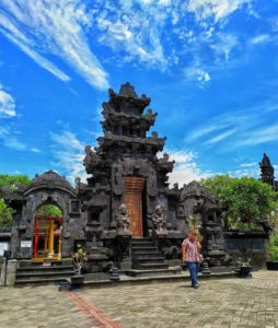 Pura Agung Giri Natha, Seputarkota.com (Sumber: tempatwisataunik.com)